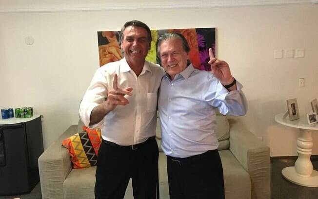 Bolsonaro e Luciano Bivar, presidente do PSL