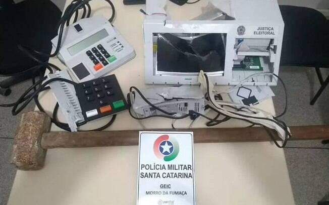 Urna eletrônica é destruída por um jovem em Santa Catarina nestas eleições 2018