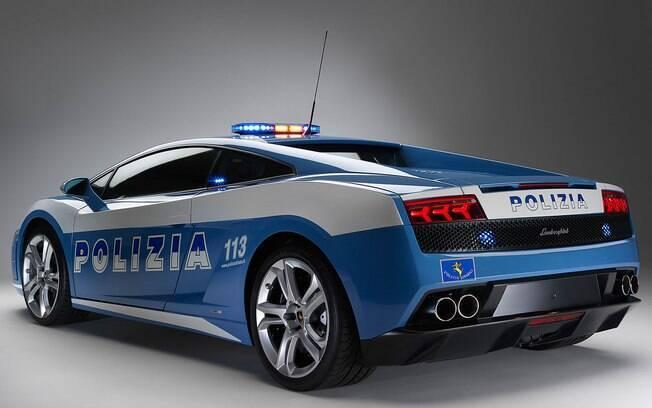 Super Carros da Polícia - Lamborghini Aventador LP 700-4