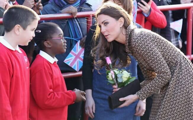 Kate Middleton faz nova aparição pública sem o prínicpe William