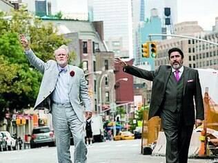 Comédia acompanha casal gay separado pelo próprio casamento