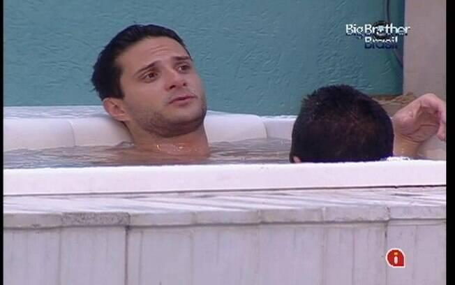 Ronaldo conta os votos do último Paredão de domingo junto de Rafa