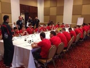 Niko Kovac se reúne com equipe nesta manhã no hotel, após café da manhã