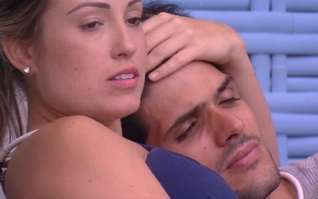 Cenas em que Lucas e Jéssica se mostraram mais próximos do que dois amigos foram comuns ao longo do programa