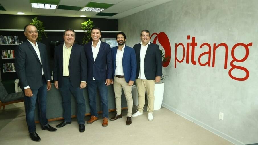 Os sócios, Gustavo Bastos, Antônio Valença, Janguiê Diniz, Claudio Castro e Roberto Borges