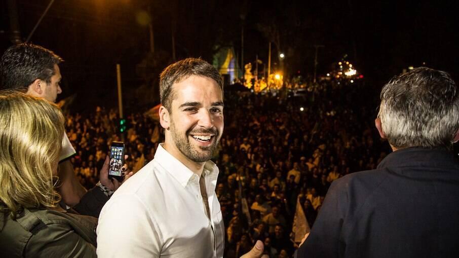 Governador do RS, Eduardo Leite, processa Roberto Jefferson por homofobia; veja
