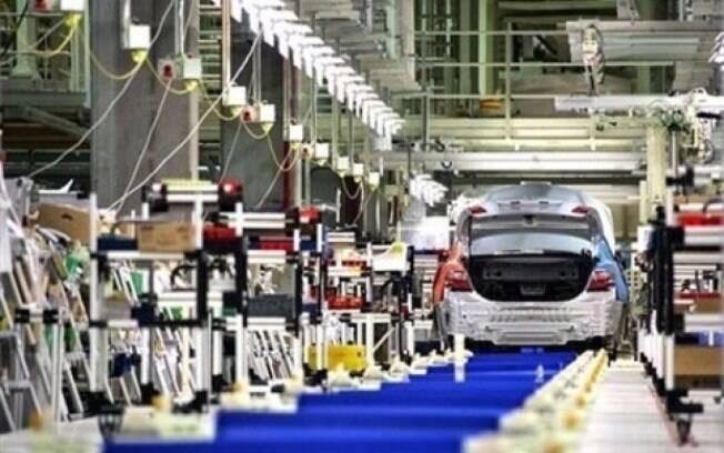 O índice de evolução do número de empregados também ficou abaixo dos 50 pontos e registrou 41,5 pontos em dezembro, o que sinaliza queda no emprego no setor industrial
