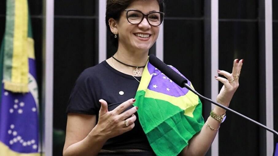 Alê Silva quer que casos iguais ao de Lula tenham prazo de prescrição paralisados