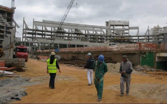 Nova Arena tem previsão de entrega para 2013