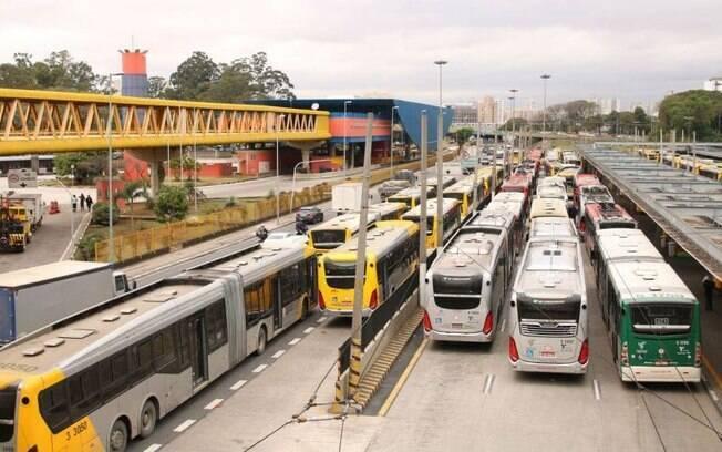 Senado aprova projeto que cria novas regras para transportes de passageiros com promessa de reduo de tarifas