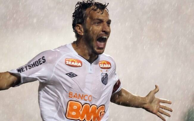 Edu Dracena, zagueiro do Santos