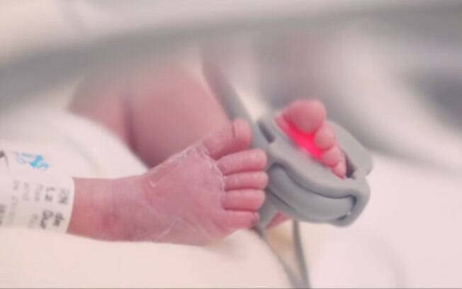 Heloísa é o bebê prematuro do vídeo do Hospital Nossa Senhora das Graças, em Curitiba