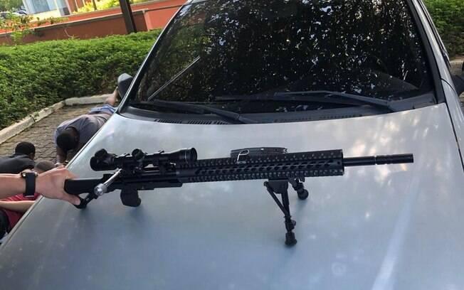 Fuzil foi encontrado no porta-malas do sargento da Polícia Militar