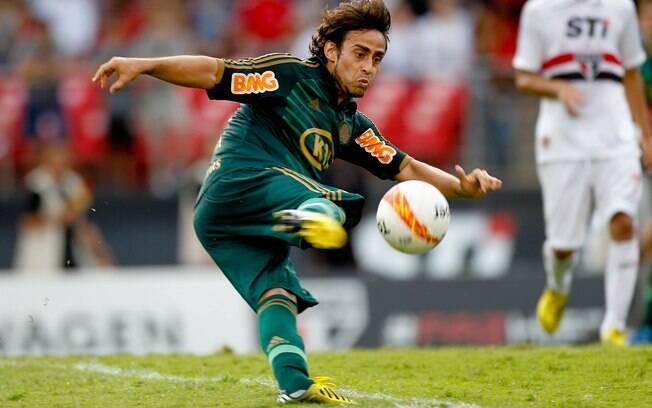 Valdivia teve boa atuação no clássico contra  o São Paulo, apesar de empate por 0 a 0