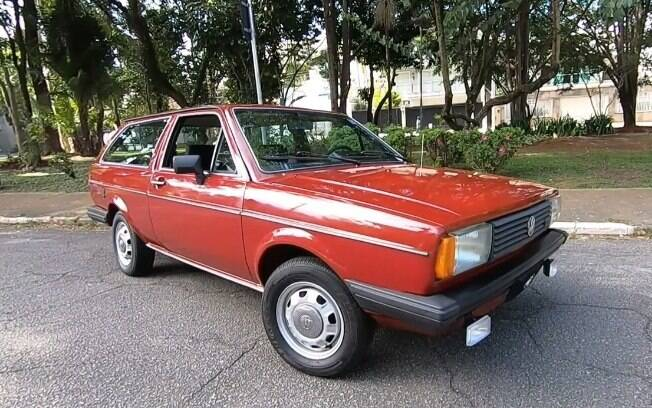 Volkswagen Parati LS esteve em garagem durante alguns anos e foi encontrada pelo dono atual, que a tem há 30 anos