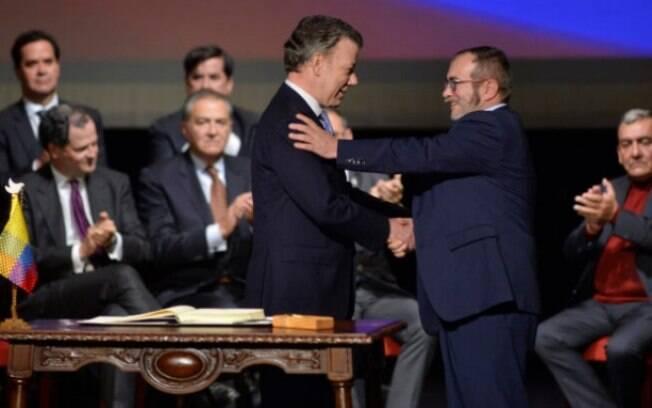 Mediado pelo governo de Cuba, acordo entre as Farc e a Colômbia foi assinado em novembro do ano passado