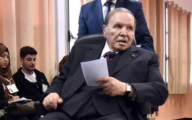 Presidente da Argélia, Abdelaziz Bouteflika renunciou ao cargo após 20 anos no poder