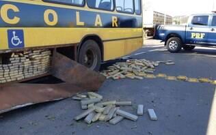 Polícia apreende quase 1 tonelada de maconha em falso ônibus escolar no Paraná