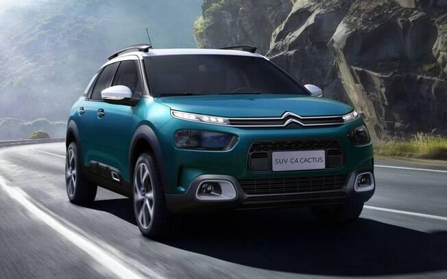 Citroën C4 Cactus: versão topo de linha conta com pintura de dois tons e motor 1.6, turbo flex, de 173 cv