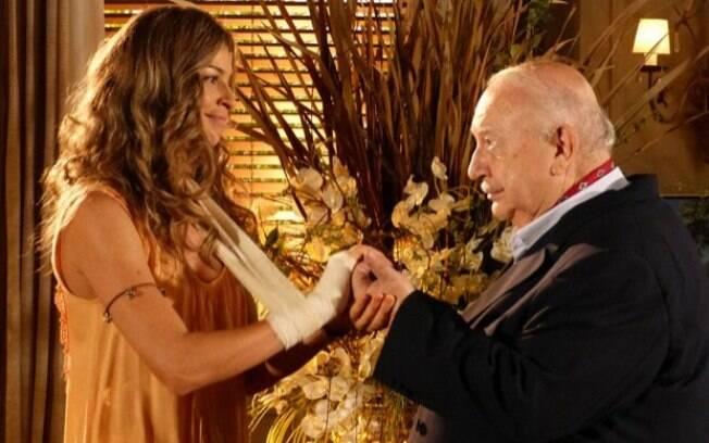 Ester devolve anel de noivado a Dionísio, em Flor do Caribe