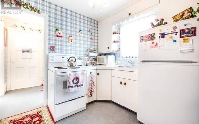 Os palhacinhos estão por toda  aparte na casa, inclusive em cômodos como cozinha e banheiro