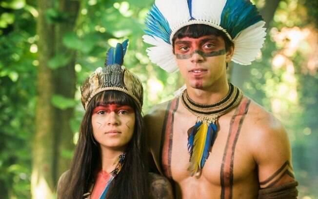 Rodrigo Simas viveu um romance indígena na novela