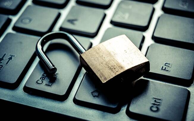 O SSL é um padrão global em tecnologia de segurança cria um canal criptografado entre o servidor e o navegador para garantir que todos os dados transmitidos entre os dois estejam seguros