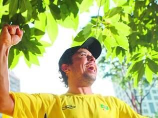 Felicidade. Por causa do seu desempenho, Athos Martins foi convidado para disputar o Mundial de Ciclismo Amador, na Eslovênia