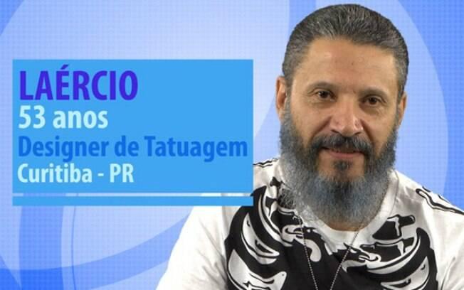 Laércio é designer de tatuagem no Paraná