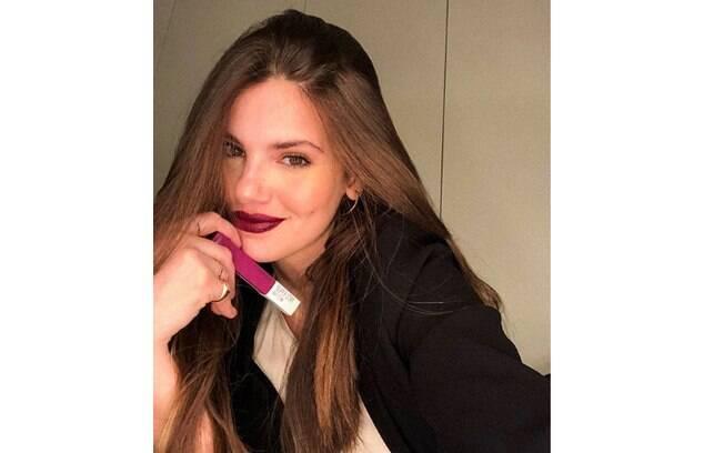 Camila Queiroz confunde seguidores em publicação no Instagram