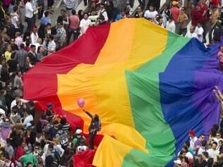 Pelo sétimo ano consecutivo a bandeira da homofobia é o tema do evento que se tornou um dos maiores de São Paulo, atraindo turistas de todas as partes do Brasil e do Mundo