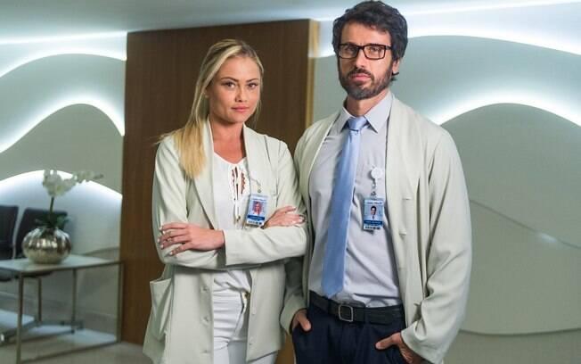 Ellen Roche ao lado de Eriberto Leão na novela 'O Outro Lado do Paraíso'