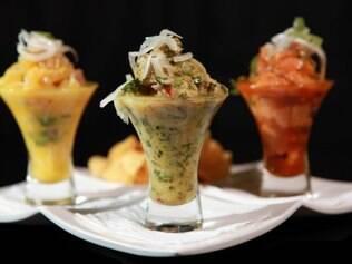 O ceviche, prato-ícone da gastronomia peruana, é servido com muito coentro, como manda a tradição latina