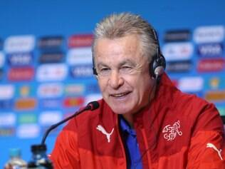 Ottmar Hitzfeld espera conseguir a classificação para as oitavas de final da Copa do Mundo