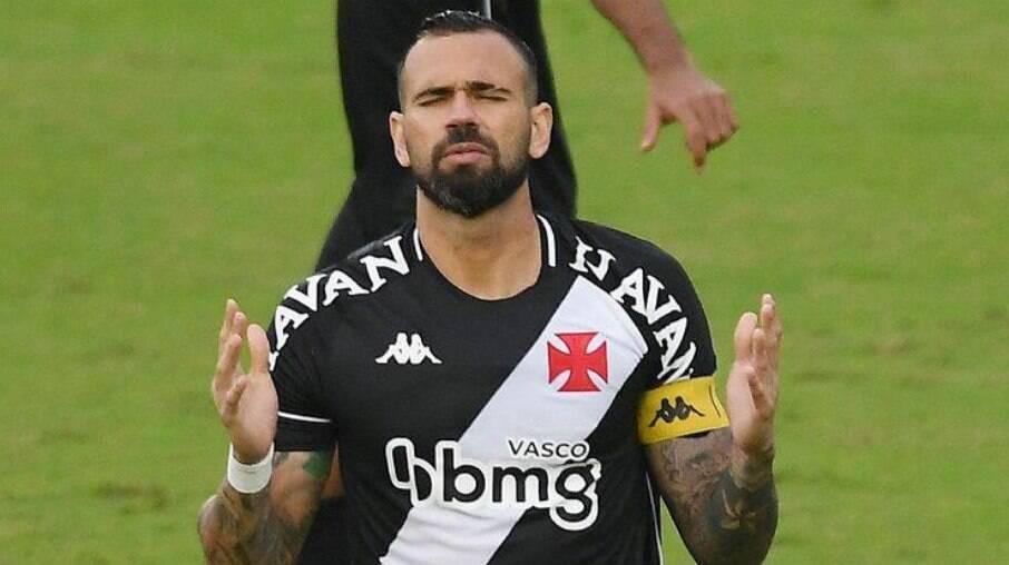 Leandro Castan é acusado de homofobia por torcedores