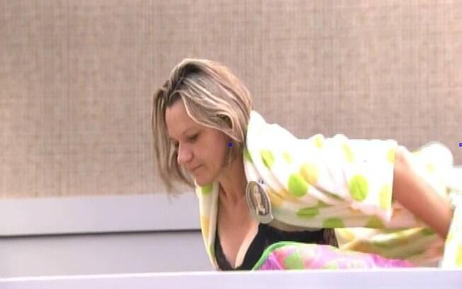Mãe de Tatiele brinca com Pedro Bial