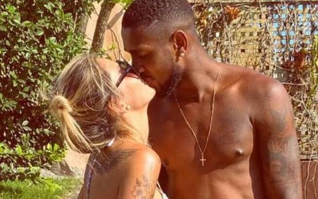 Gerson com a esposa Grecie Gonçalves