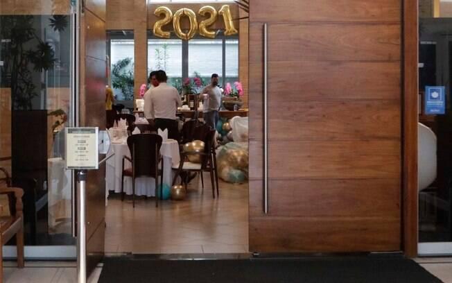 Prefeitura fiscaliza restaurantes e hotis para coibir festas de Ano Novo