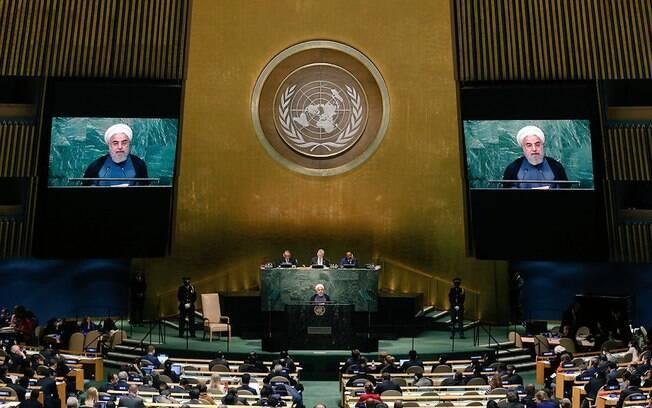 Rouhani disse que Irã não se submeterá às pressões de outras nações