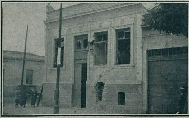 Rua Bresse, prédio atingido por duas granadas