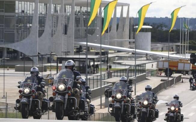 Trânsito para veículos próximo ao local da posse presidencial está fechado na Esplanada desde a zero hora do sábado (29)