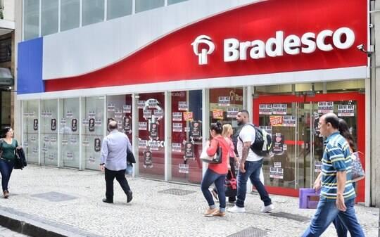 Greve dos bancários cresce 13% no terceiro dia - Home - iG