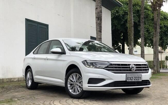 VW Jetta mais em conta não deixa a desejar em visual e equipamentos, e ainda aumenta a acessibilidade