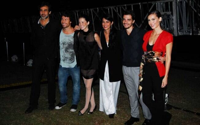 O diretor, Marco Pado, e o elenco, Bernardo Mello, Nathalia Dill, Divana Brandao, Luca Bianchi e Livia de Bueno