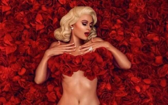 Paris Hilton posa nua inspirada no filme