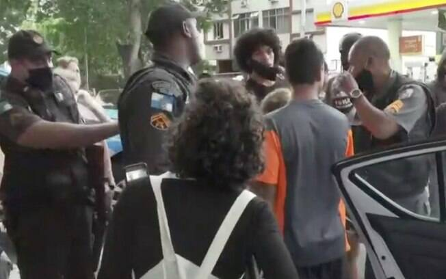 Manifestante foi preso durante ato de militância negra no RJ