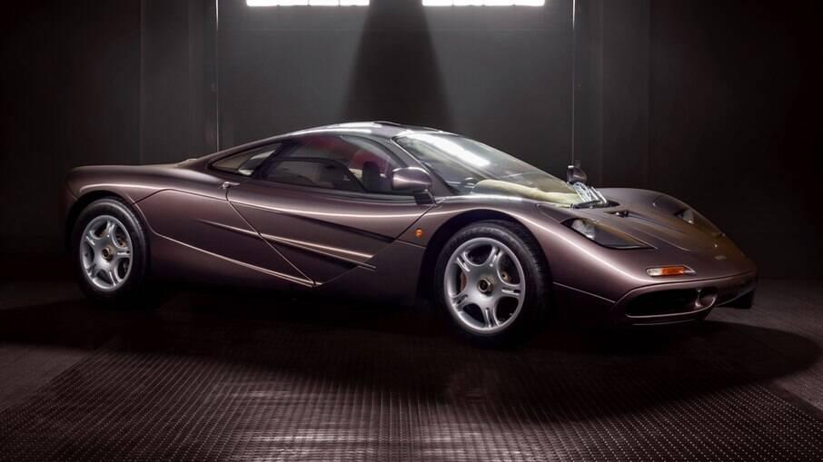 Apenas 106 unidades do McLaren F1 foram produzidas com com um exclusivo motor fabricado pela BMW