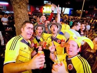Festa.  Colombianos comemoraram vitória contra Grécia  e gastaram muito nos bares da Savassi