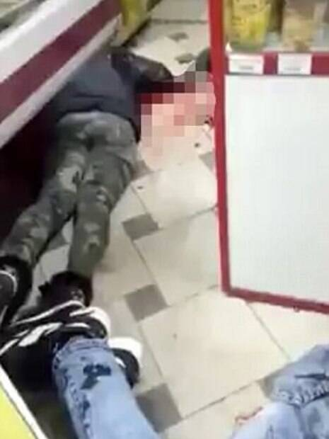 Um homem russo matou a namorada com facadas após ela recusar o seu pedido de casamento
