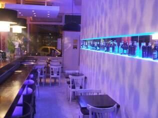 Granados Bar tem ambiente moderninho